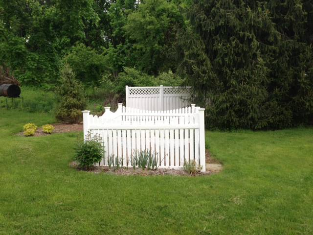 Ideas On Making Visually Attractive Garden Fence