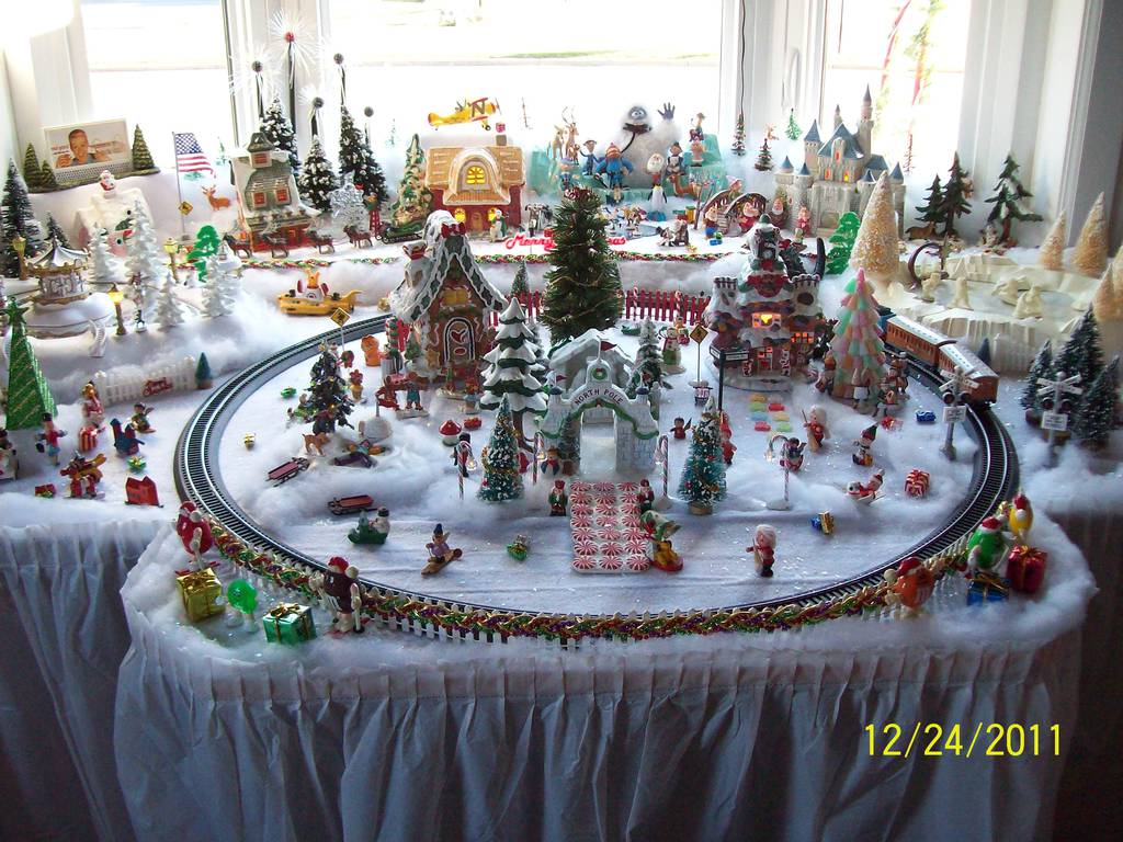 Does anyone make a Christmas Village? - Hackettstown NJ